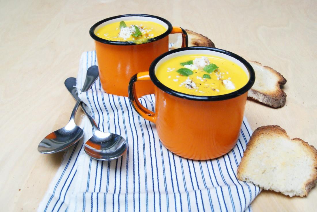 tippy soupe de carottes curry et cl mentine. Black Bedroom Furniture Sets. Home Design Ideas