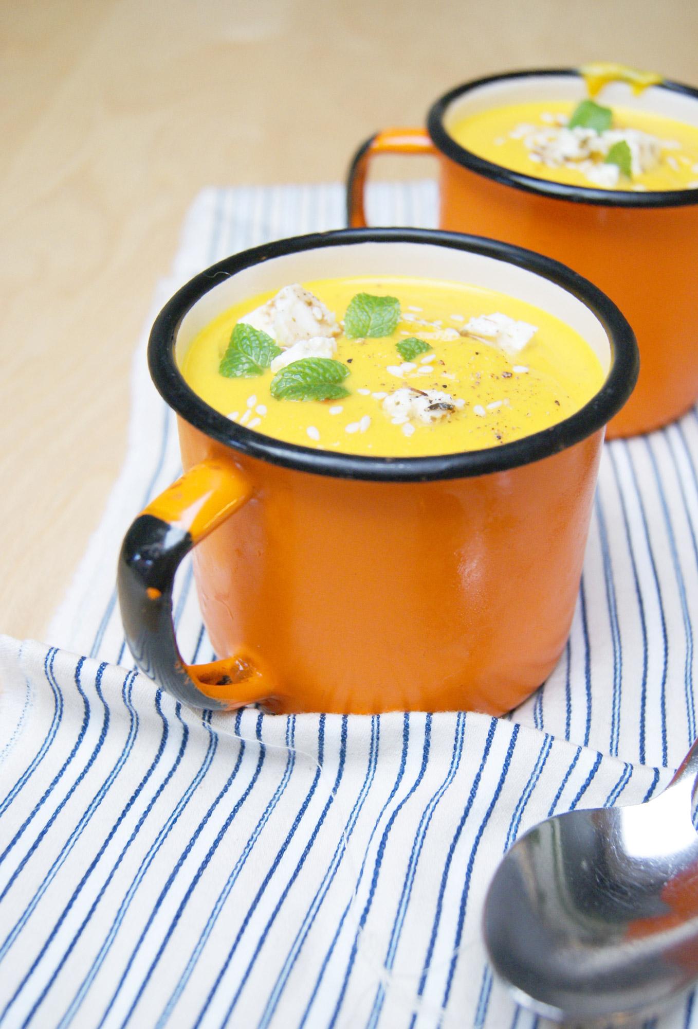 soupe de carottes curry et cl mentine tippy. Black Bedroom Furniture Sets. Home Design Ideas