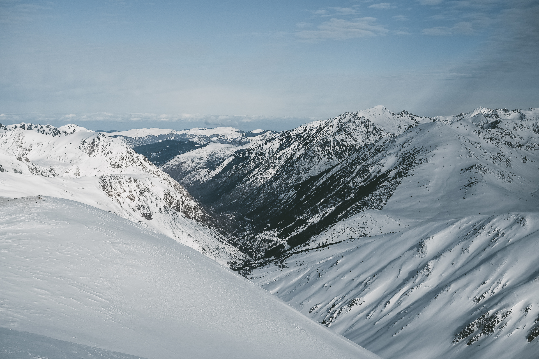 Au sommet du Pic de Pédrons, côté Arriège - Cap ou pas cap ? Une journée pour découvrir l'alpinisme dans les Pyrénées / Tippy.fr