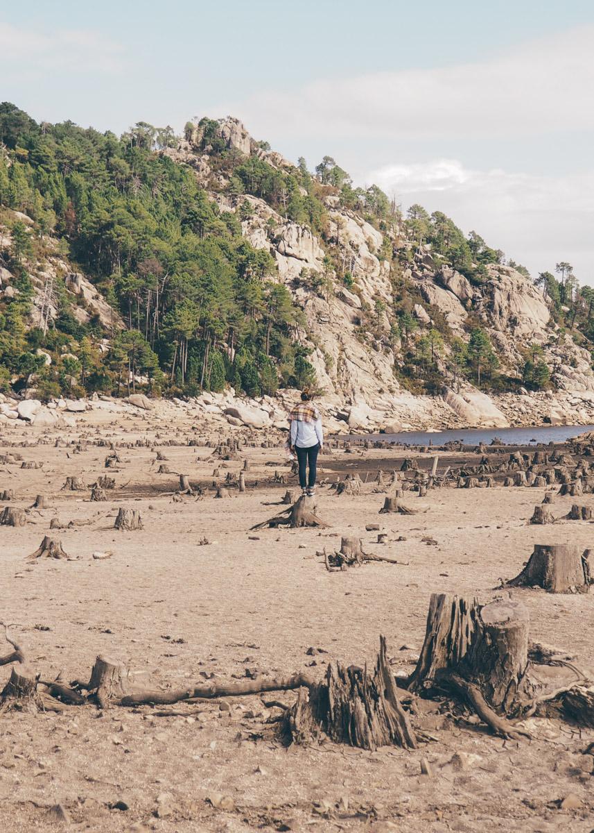 Road trip en Corse, lac asséché / Tippy.fr