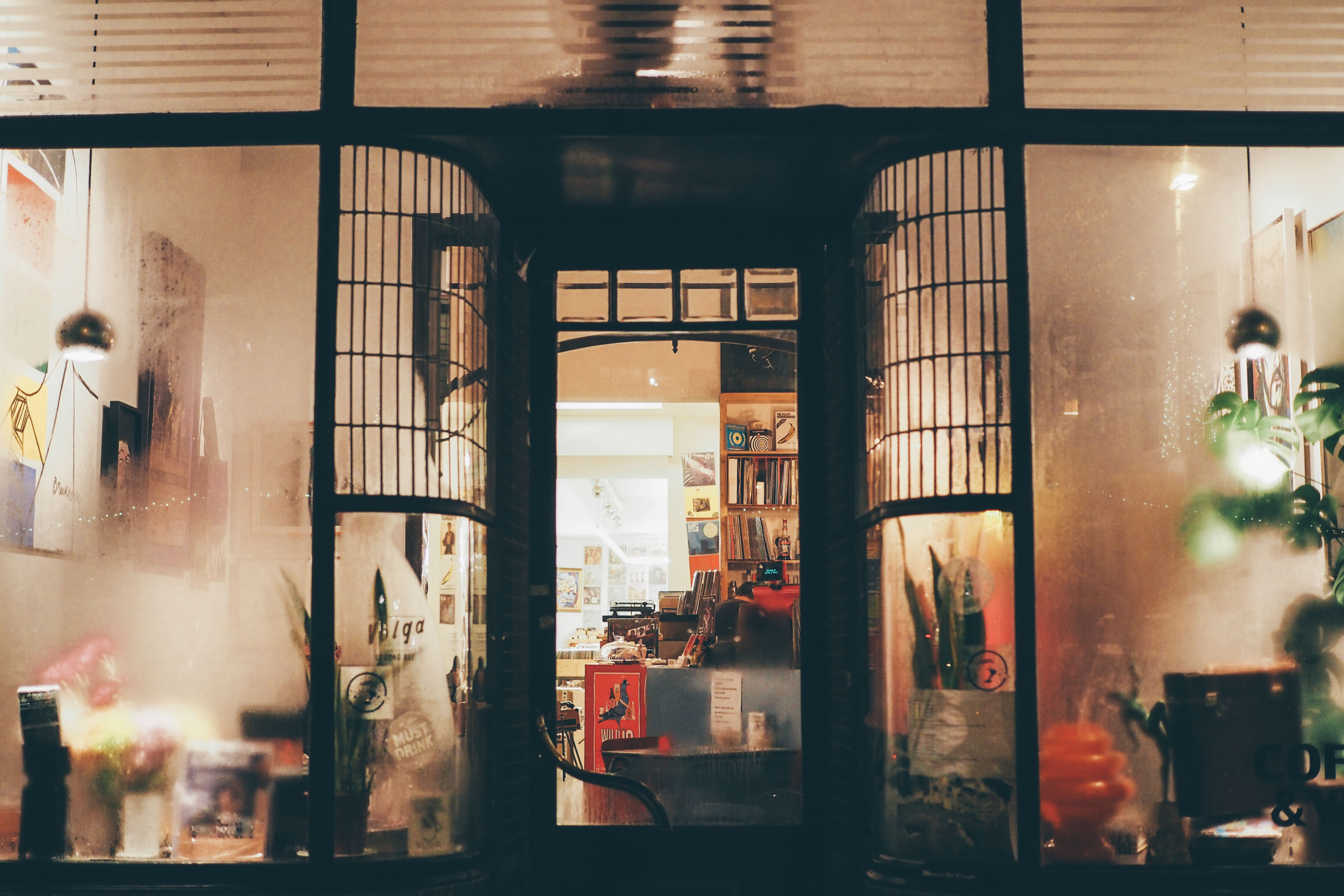 Anvers City Guide : on prend son temps dans un café-disquaire, Coffee & Vinyl / Tippy.fr