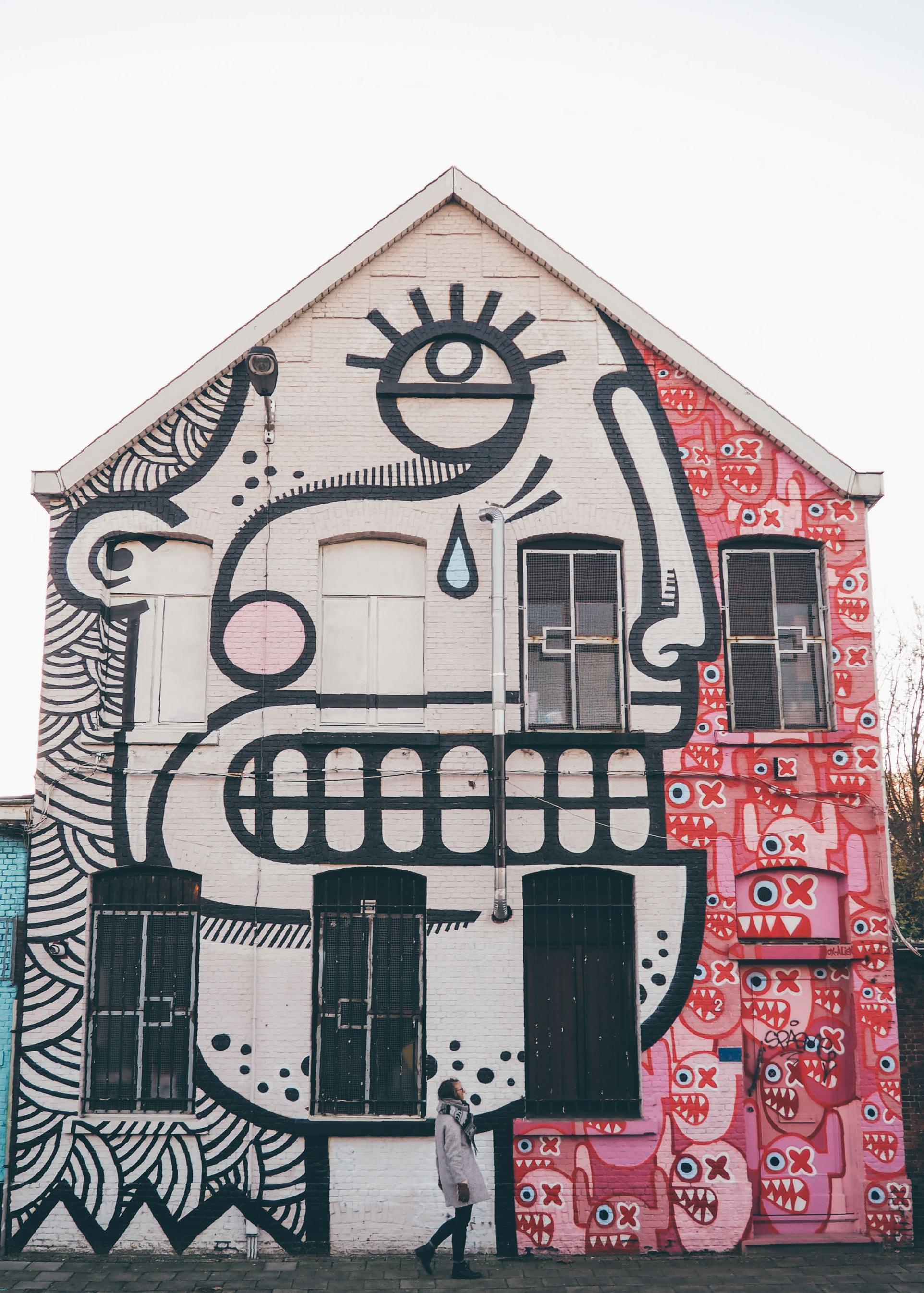 Anvers City Guide / Tippy.fr. Balade street art dans le quartier Zurenborg d'Anvers : Krugerstraat & Minkelersstraat !